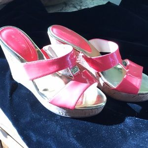 Marc Fisher wedges Coral Patent Leather
